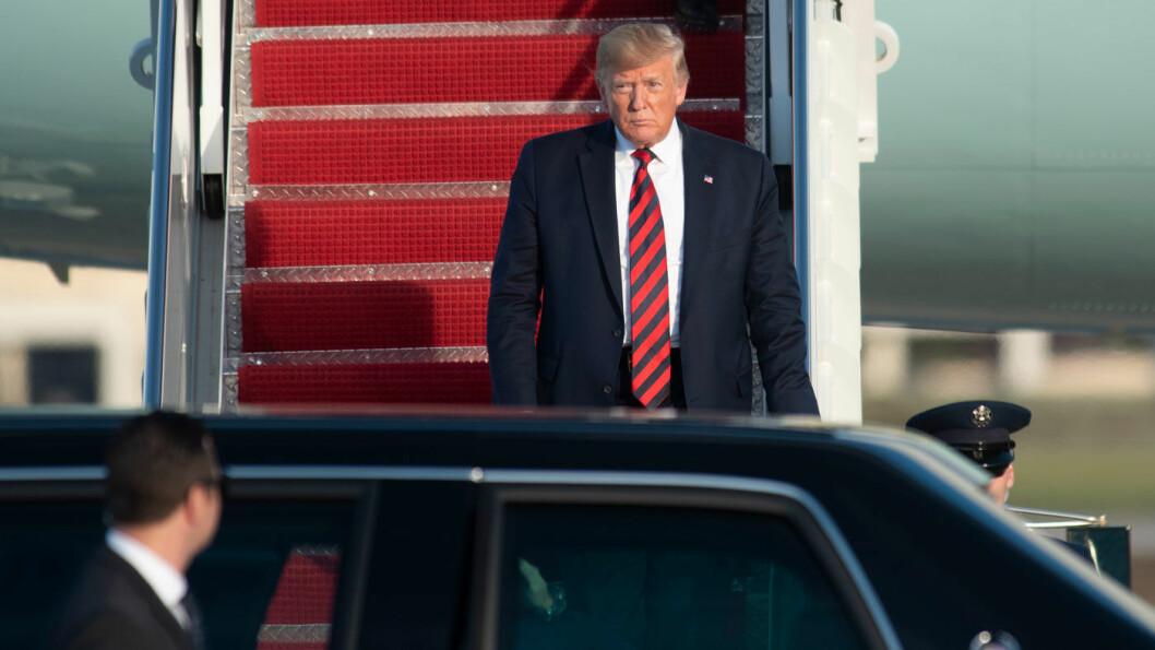 FÅR STØTTE: President Trump har nå fått bilprodusentene Toyota, GM og Fiat Chrysler med på laget i kampen mot klimapolitikken til myndighetene i California. Foto: Kevin Holt, AP