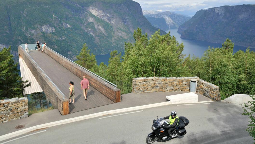 LUFTIG: Stegastein på Aurlandsfjellet. Foto: Steinar Skaar
