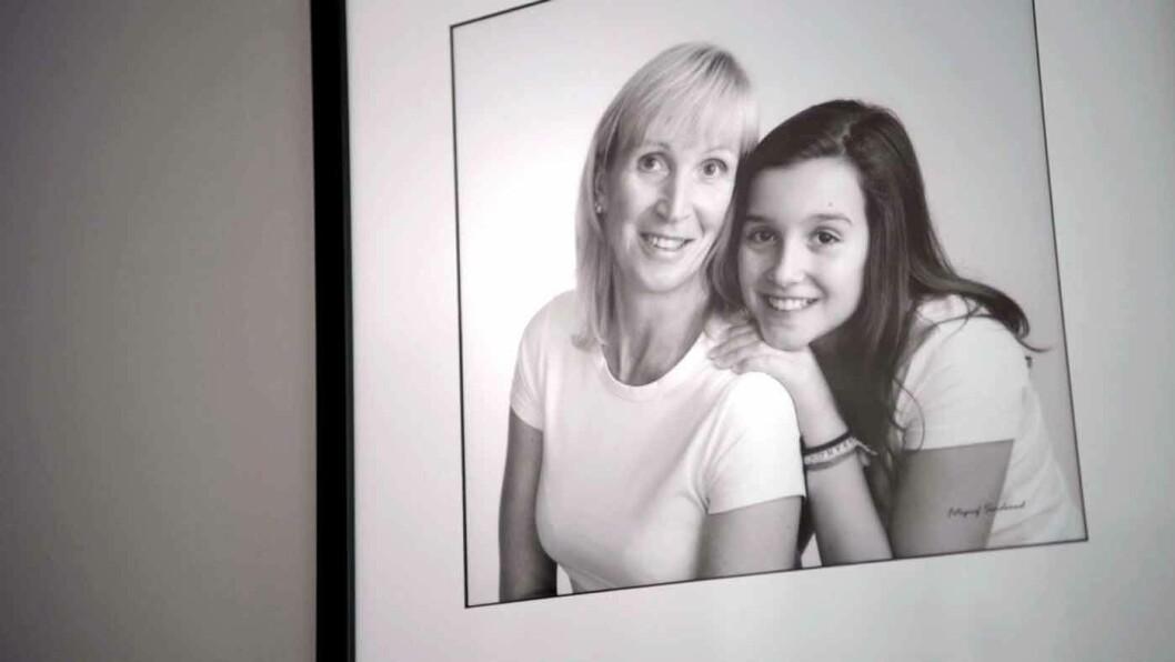 ENGLEVAKT: Karin Lidsheim og datteren var ute og kjørte mellom Voss og Arna da raset plutselig gikk. Foto: Benjamin Ward (foto fra film for NAF)