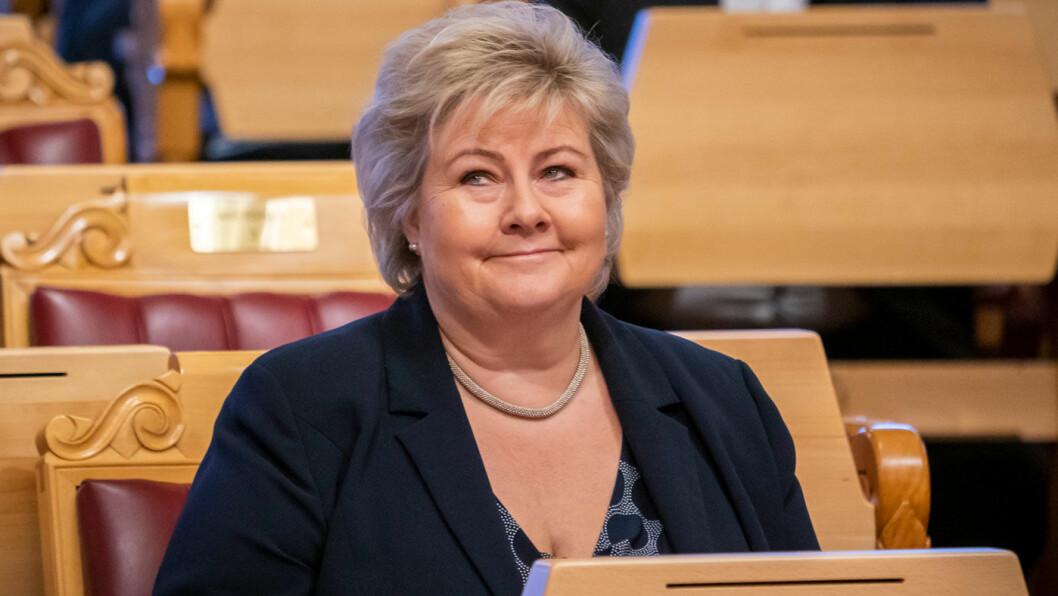 IKKE MISUNNELSE: Statsminister Erna Solberg måtte svare for Venstre-leder Trine Skei Grandes ordbruk under spørretimen i Stortinget onsdag. Foto: Heiko Junge, NTB / scanpix