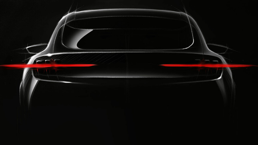 EL-MUSTANG: Fords første elbil – her i en skissetegning – lanseres natt til mandag. Foto: Ford Motor Company