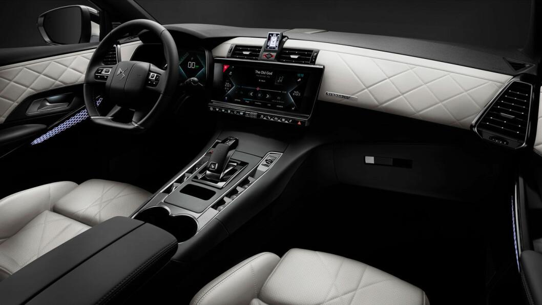 LUKSUS: Interiøret i bilene som kommer til Norge har helskinn og gir stor grad av luksusfølelse.
