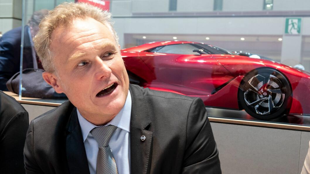 ELBILSJEF: – Veksten i elbil kommer hånd i hånd med utvikling av lademulighetene der du bor eller jobber, sier Hugues Desmarchelier, direktør for Nissan elbil-program. Foto: Peter Raaum