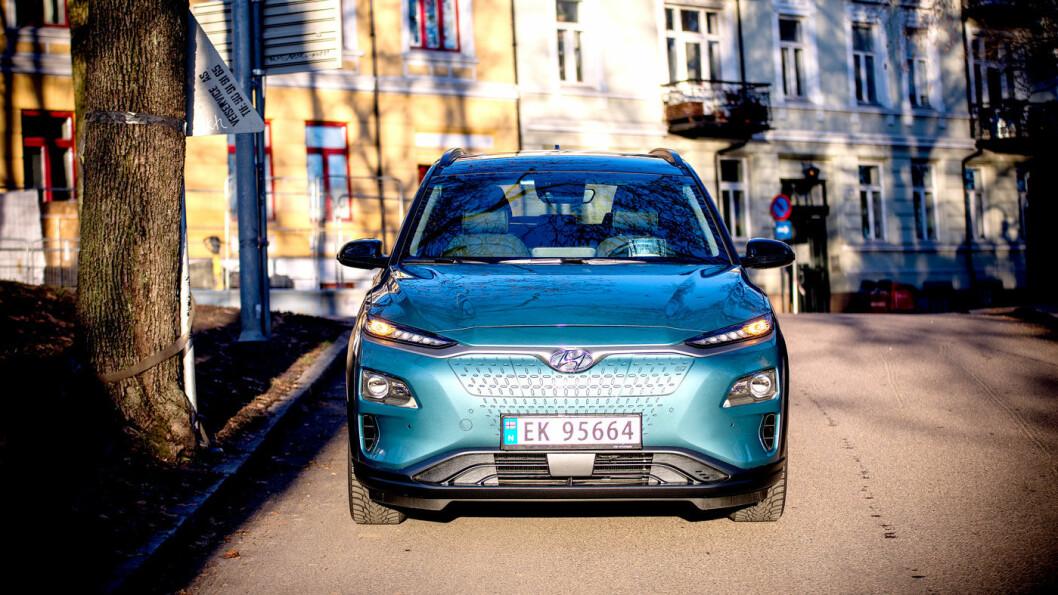 UTVIDER: Hyundai Kona er best på rekkevidde, men ikke på pris. Nå endrer Hyundai modell- og prisstrategi for å møte den øke konkurransen. Foto: Jon Terje Hellgren Hansen