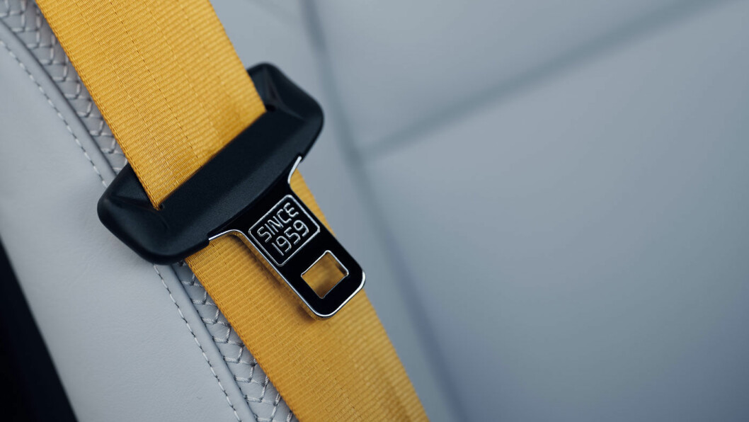 GULE DETALJER: Gult er en gjennomgående farge på ulike detaljer, som sikkerhetsbeltene.