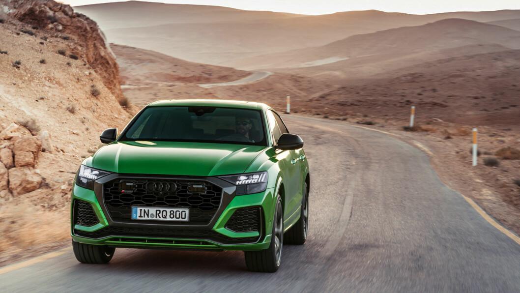 RÅ SUV: Audi RS Q8 er den råeste i sitt slag fra Audi, og definitivt en av verdens heftigste SUV-er. Men det kan absolutt diskuteres om den er den raskeste, slik Audi hevder. Foto: Audi AG