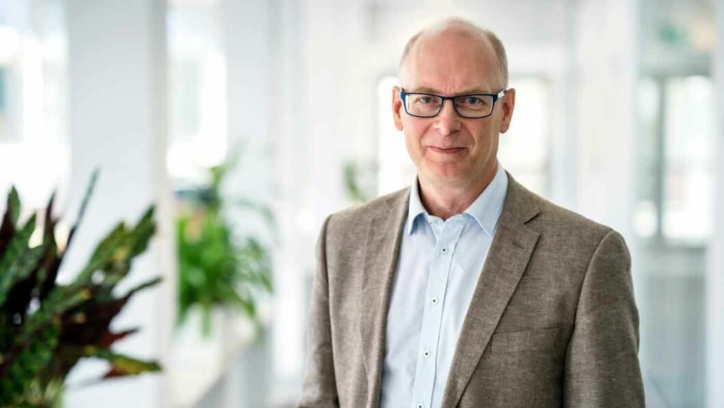 UNIK UNDERSØKELSE: Anders Kullgren er forskningssjef i det svenske forsikringsselskapet Folksam. – Rapporten viser at veldig få biler produsert etter 2015 er involvert i dødsulykker, sier han.
