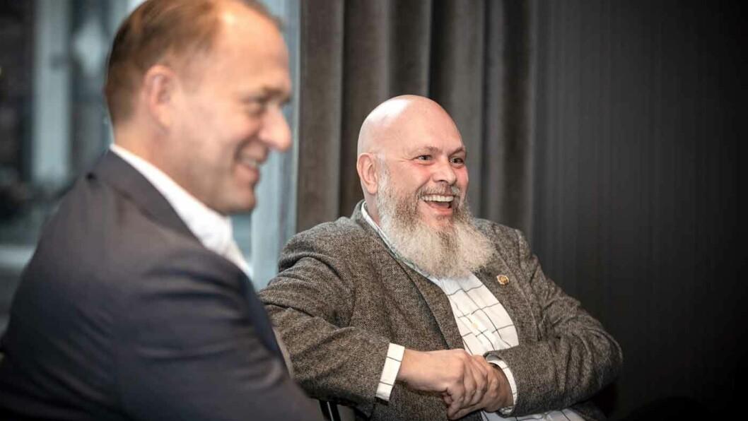 MINDRE TIL UTVIKLING: Har noen av de store bilprodusentene finansielle muskler til å utvikle ny teknologi og dermed tvinge de andre til å følge etter, undrer Tommy Wahlström (t.h.).