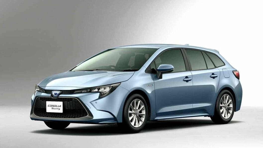 KJØREGLAD: Den velkjente hybridteknikken i nye Toyota Corolla fungerer bedre enn noen gang. Foto: Produsenten