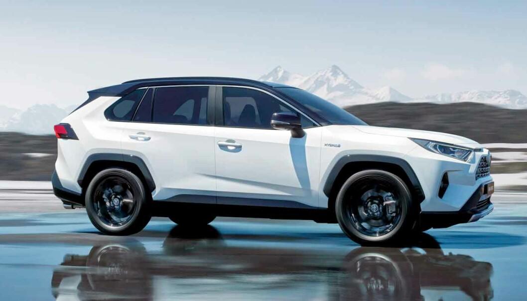 """<span class="""" font-weight-bold"""" data-lab-font_weight_desktop=""""font-weight-bold"""">ORIGINALEN:</span> Toyota RAV4 er en storselger på det norske markedet. Og Motor kåret den ladbare versjonen til årets beste bilkjøp."""