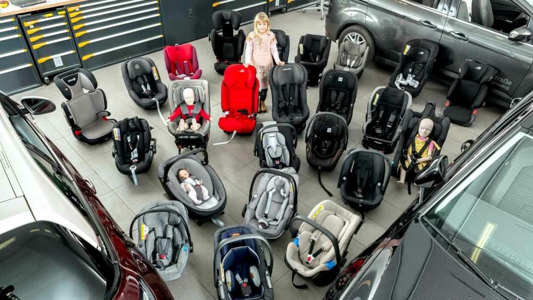 STOR TEST: De 29 barnestolene er testet med vekt på sikkerhet i front- og sidekollisjon, brukervennlighet, komfort, utforming og materialbruk. Foto: Stephan Huger