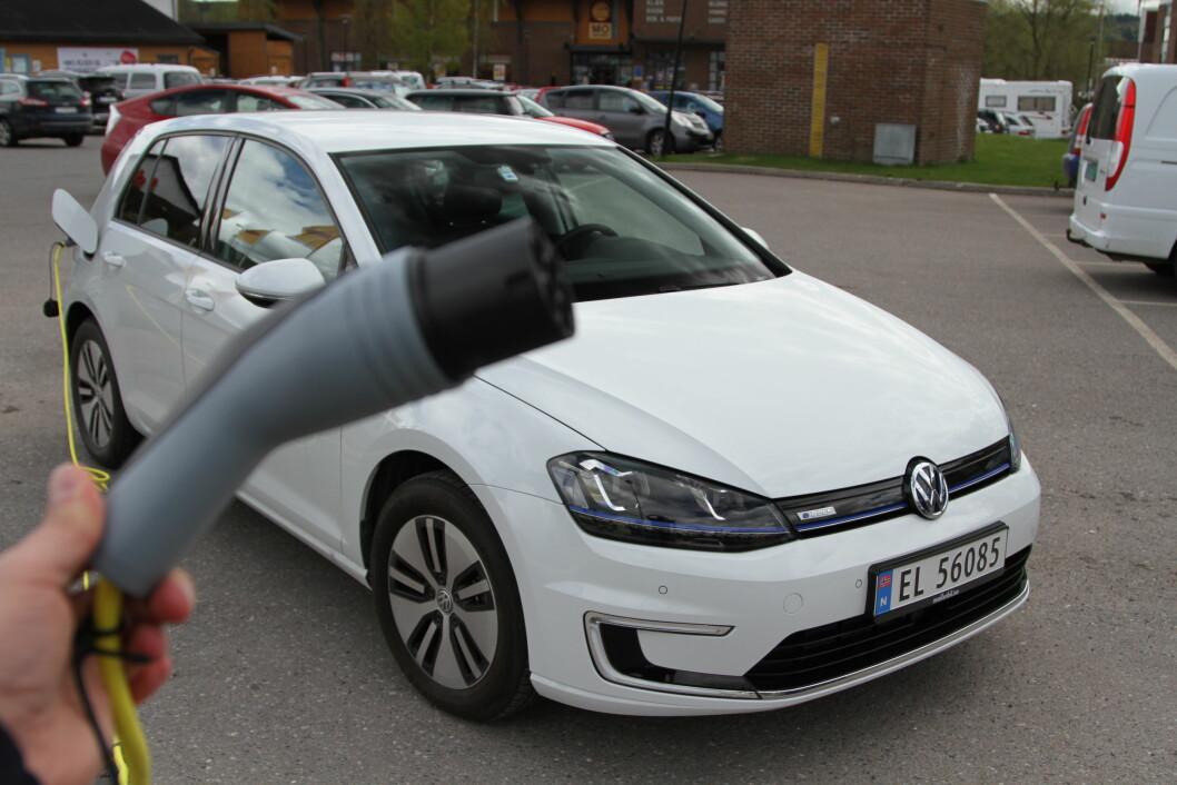 SPARER MYE: Bruker du en elektrisk utgave av VW Golf i jobbkjøring i stedet for en med vanlig forbrenningsmotor, er det mye penger å spare. Foto: Rune Korsvoll