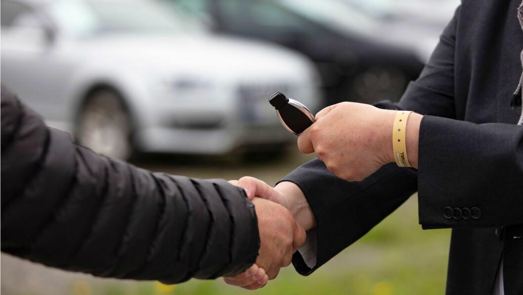 AVTALE: Bruktbilfirmaet mente de hadde funnet en rekke feil på bilen som den private selgeren ikke hadde informert om, men fikk ikke medhold. Foto: Geir Olsen