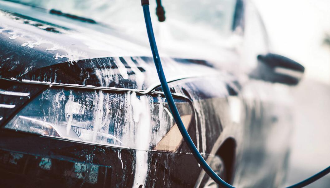 VASK OFTE: Uten lyktepussere og med mange sikkerhetsfunksjoner foran, kreves det oftere bilvask.