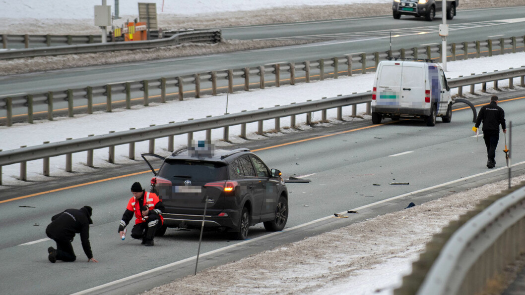 TRIST DESEMBER: 14 mennesker omkom i trafikken i fjorårets siste måned, blant dem en mann som ble påkjørt på E6 i Trondheim da han gikk ut av bilen etter en punktering. Foto: Joakim Halvorsen, NTB / scanpix