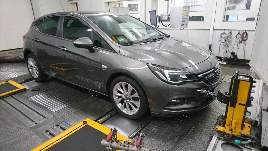 DIESEL-TEST: Opel Astra er en av modellene som T&E lot gjennomgå omfattende tester. Foto: T&E
