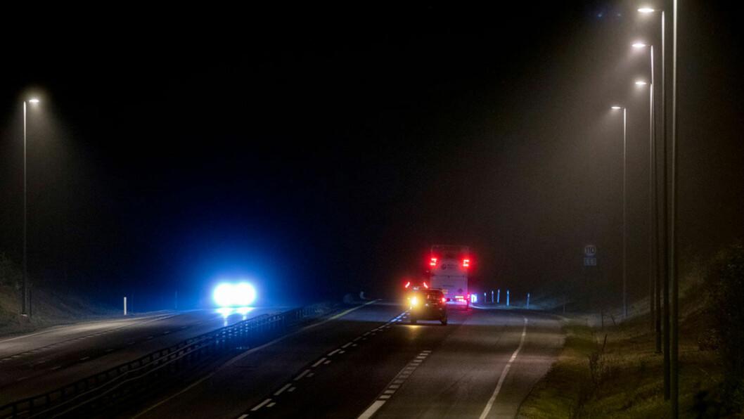MANGE SLURVER: Altfor mange biler kjører med feil på lysene. Bare i 2019 ble hele 400.000 biler underkjent i EU-kontroll på grunn av for dårlige lys. Foto: Geir Olsen
