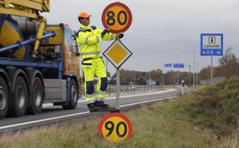 Setter ned farten fra 90 til 80 på svenske veier
