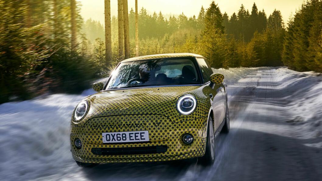 MINI COOPER SE: Batteri: 32,6 kWt. Rekkevidde 230 km. Pris fra ca. 275.000 kroner.4WD: Nei. Tilhengerfeste: Nei.