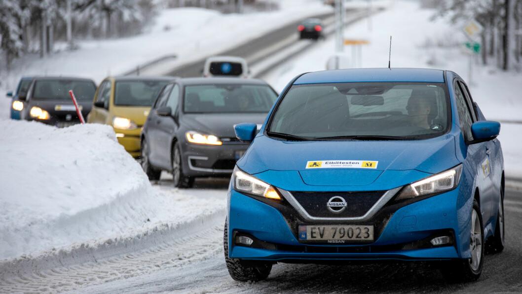 20 GANGER EL: Vi samlet 20 elbiler til rekkeviddetest med start i Oslo, men skulle ikke langt ut av hovedstaden før det kom både snøfiller og minusgrader. Foto: Tomm W. Christiansen