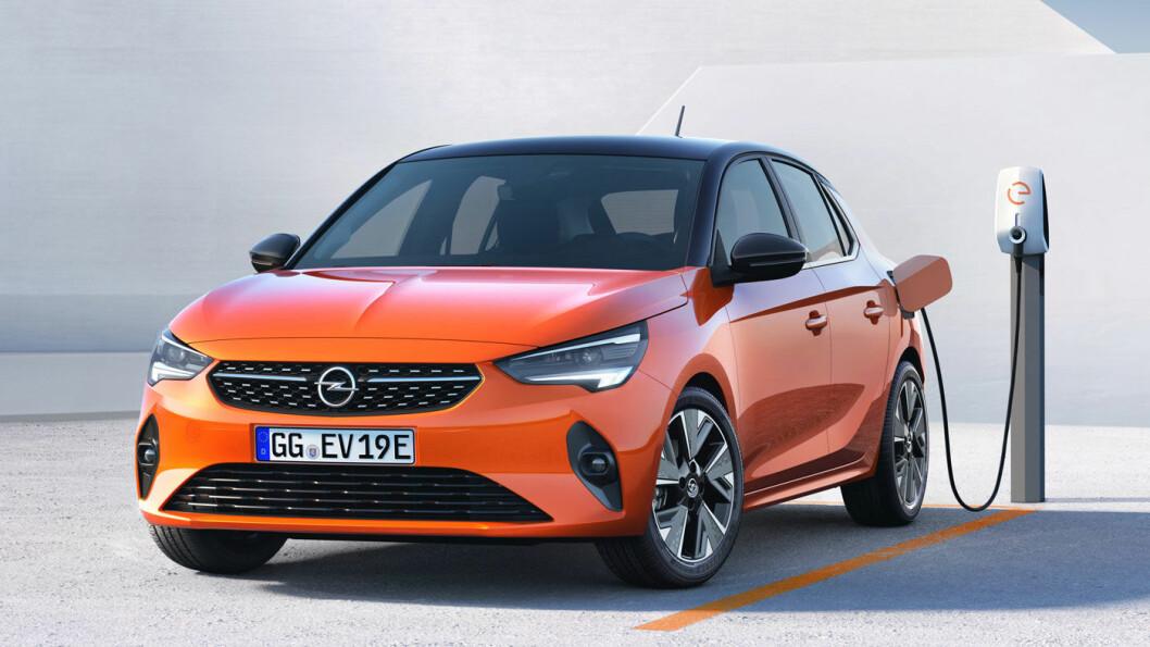 OPEL CORSA E: Batteri: 50 kWt. Rekkevidde 330 km. Pris fra ca. 260.000 kroner.4WD: Nei. Tilhengerfeste: Nei.