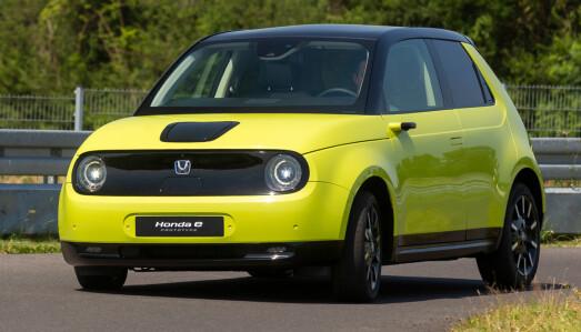 <b>HONDA E: </b>Batteri: 35,5 kW. Rekkevidde 220 km. Pris fra 266.000 kroner. 4WD: Nei. Tilhengerfeste: Nei.