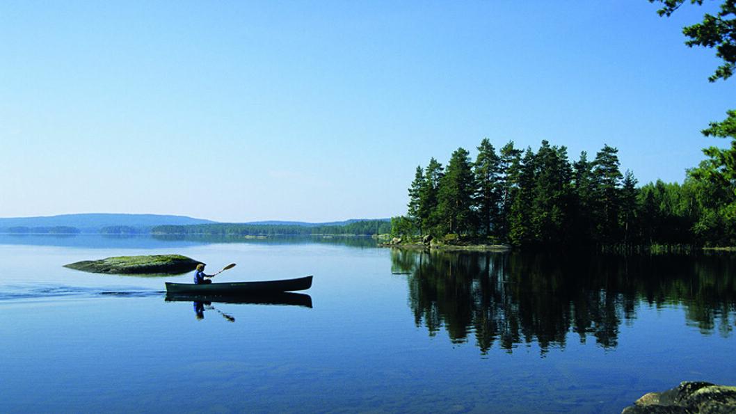 PADLEELDORADO: Indre Østfold inneholder utallige muligheter for å padle på innsjøer og elver. Foto: Per Roger Lauritzen
