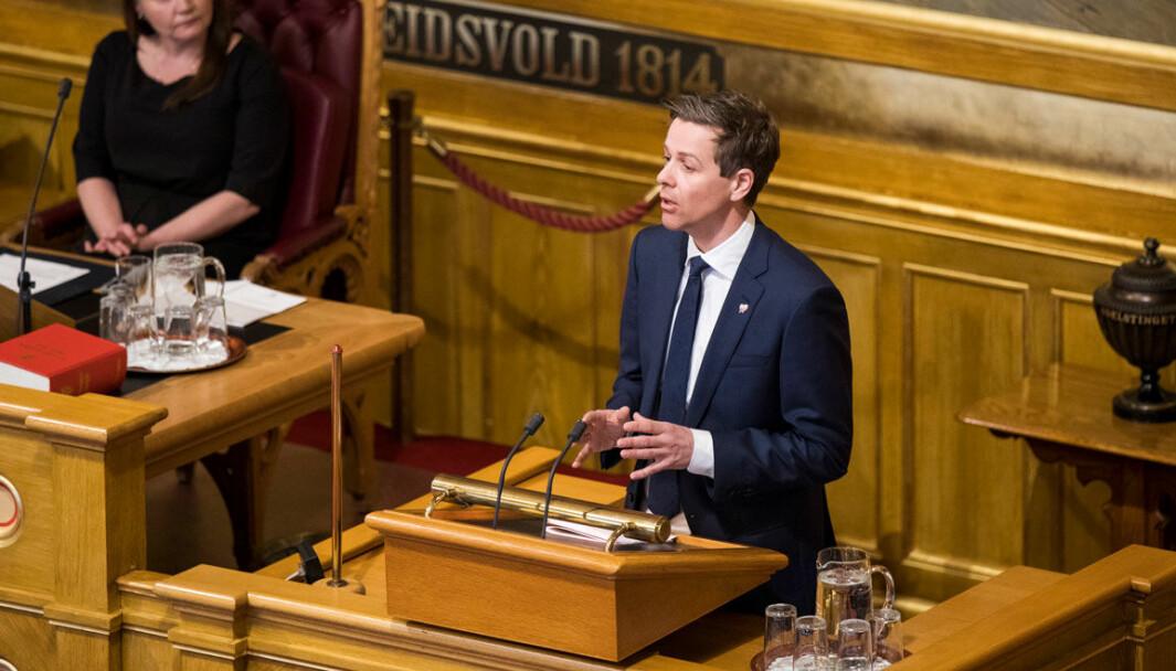 IKKE MER UTREDNING, TAKK: Stortinget ber enda en gang samferdselsminister Knut Arild Hareide fjerne kravet om helseattest for eldre sjåfører.