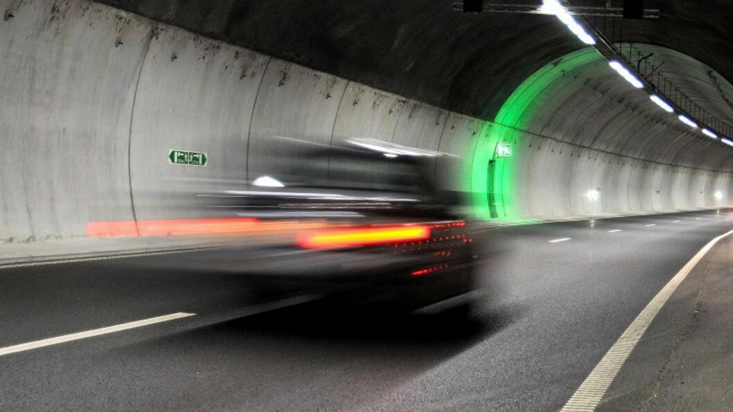 AUTOMÅLING: Regjeringen står fast på å begrense bruk av streknings-ATK, men det innføres nå likevel  i tre nye tunneler. Foto: Knut Opeide/Statens vegvesen