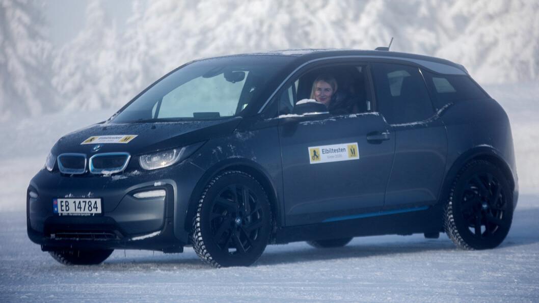 IMPONERER: Lille BMW i3 er solid på rekkevidde – og lader imponerende bra. Foto: Tomm W. Christiansen