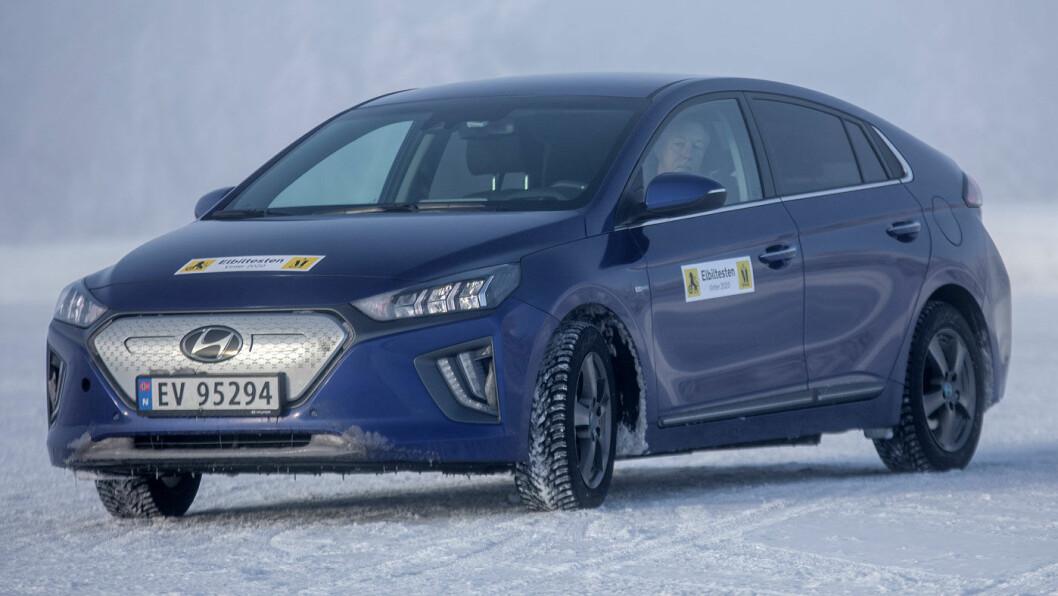 LETT Å LIKE: Hyundai Ioniq i ny utgave lader ikke like hurtig som den forrige. Foto: Tomm W. Christiansen