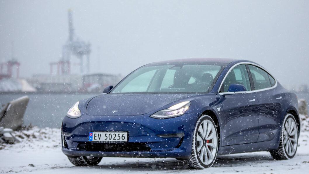 AVANSERT: Norges mest kjøpte bil og «Årets beste bilkjøp» her i Motor, Tesla Model 3, ligger teknologisk sett mange år foran konkurrentene. Foto: Tomm W. Christiansen