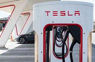 Tesla dømt for å ha satt ned ladehastigheten