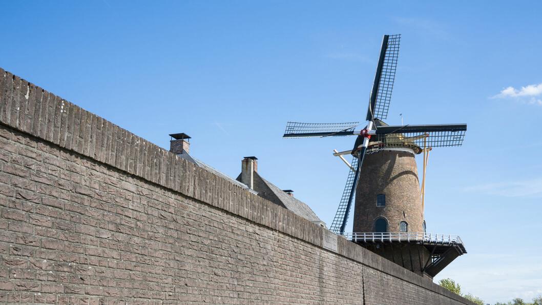 DIKET: Vindmøllen ved kanalen i Wijk bij Duurstede er et kjent landemerke.