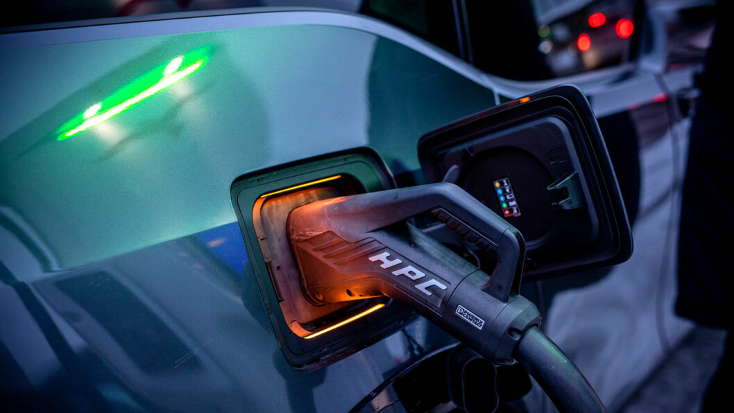 DOBLER: En elbil av nyeste generasjon med litium-svovel-batterier ville, ifølge utregningene til forskergruppen, kunne tilbakelegge opptil 1000 kilometer på en lading. Foto: Tomm W. Christiansen