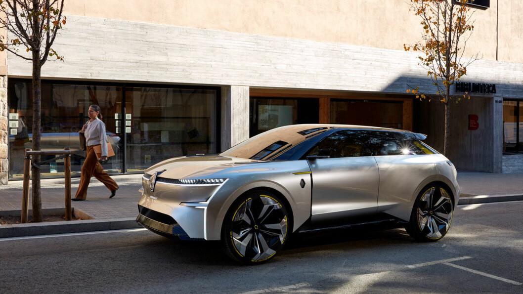 SHOWBIL: Morphoz har en rekke designelementer som er typiske for konseptbilene man ser på bilutstillinger. Dette er åpenbart ikke en bil som vil bli å se på veien. Foto: Renault
