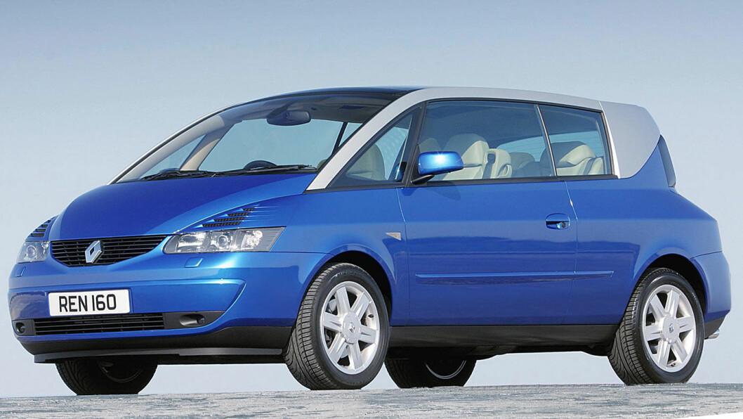 GJORT DET FØR: DS-designsjefen Thierry Metroz har tenkt annerledes tidligere: Han var i 1999 ansvarlig for denne 2-dørs flerbruksbilen, Renault Avantime, en såkalt «coupéspace», som utrolig nok kom i produksjon.