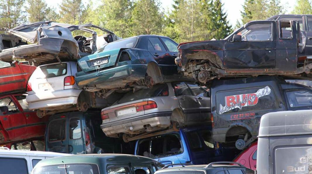 HØGG, HØGG, HØGG GAMLE BILER: Disse bilene har gjort sitt, men nordmenn var slett ikke ivrige etter å heve vrakpant i fjor.