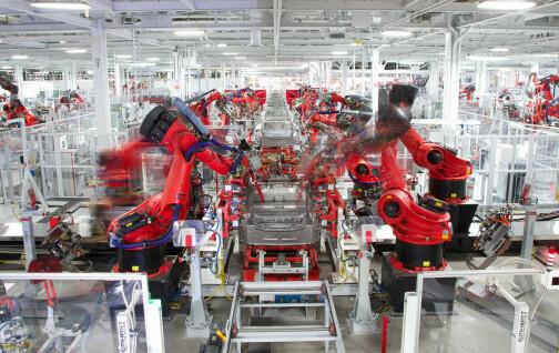 Tesla stopper produksjonen av Model S og Model X