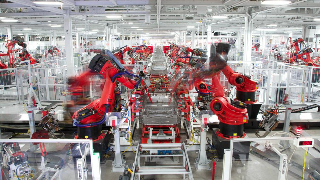 STENGER: Fra den store produksjonshallen i Tesla-fabrikken i Fremont