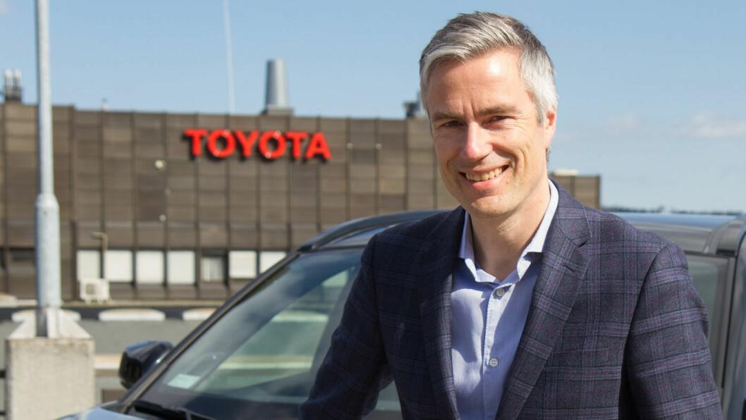 IMPORTØRER FORAN VALUTA-KRISE: Toyota er blant dem som merker valutasvingningene kraftig. – Den siste utviklingen av kronekursen er dramatisk og dersom det vedvarer vil dette medføre at fabrikken må øke prisene, sier Espen Olsen, kommunikasjonsdirektør i Toyota Norge, til Motor.