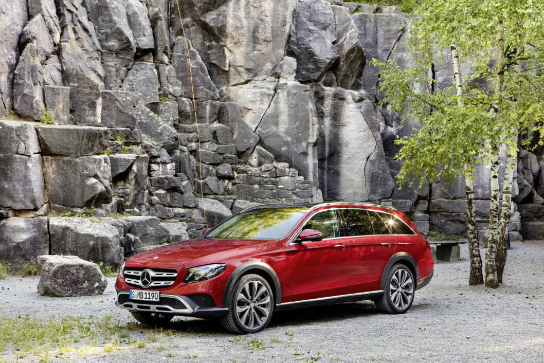 BARSK: Mercedes E-klasse All-terrain er ikke bare barsk å se på, den takler de tøffeste veienen. Foto: Mercedes