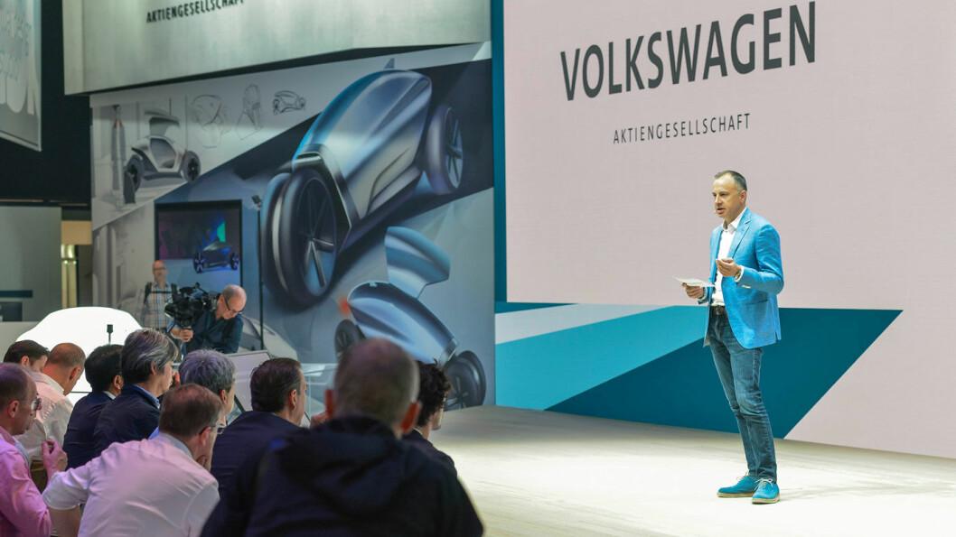 FORLATER SKUTEN: Martin Hofman, Volkswagen-konsernets IT-direktør, med hovedansvaret for all programvare og elbil-strategi, trekker seg i slutten av mars.