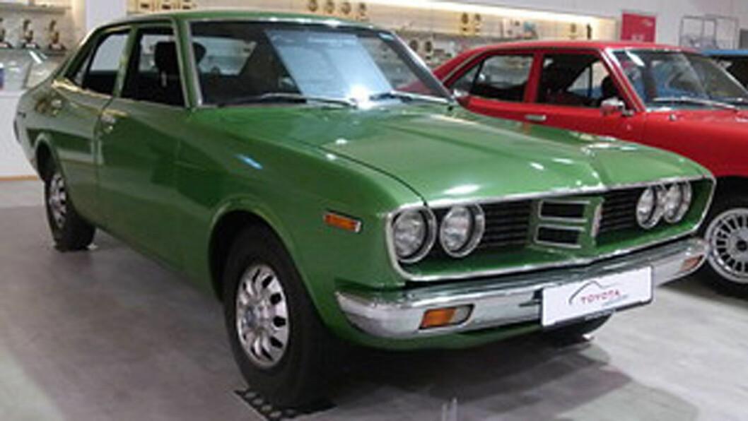 EKTE CORONA: Toyota produserte i 25 år en modell som het Corona, og denne litt større og mer luksuriøse versjonen, Corona Mark II.