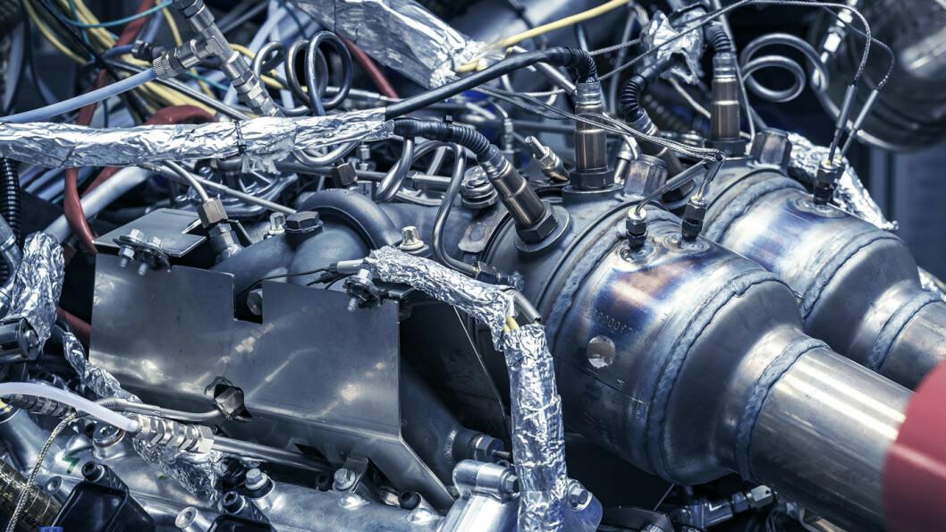 INGENIØRKUNST: Den nye V6-motoren, som vi ikke ennå har ytelsestallene for, ble vist frem av Aston Martin i forrige uke.