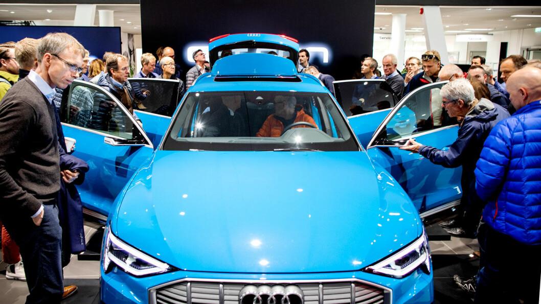FOLKETS FAVORITT: Nordmenn flokker seg om Audi e-tron, som toppet registreringsstatistikken også i mars. Foto: Tomm W. Christiansen