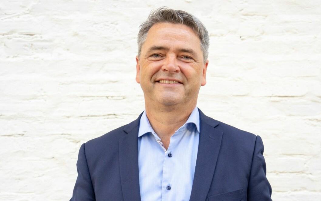 BILINTERESSERT: Magne Gundersen er forbrukerøkonom i Sparebank 1 og programleder i TV3 Luksusfellen. I tillegg er han bilinteressert. Foto: Sparebank 1