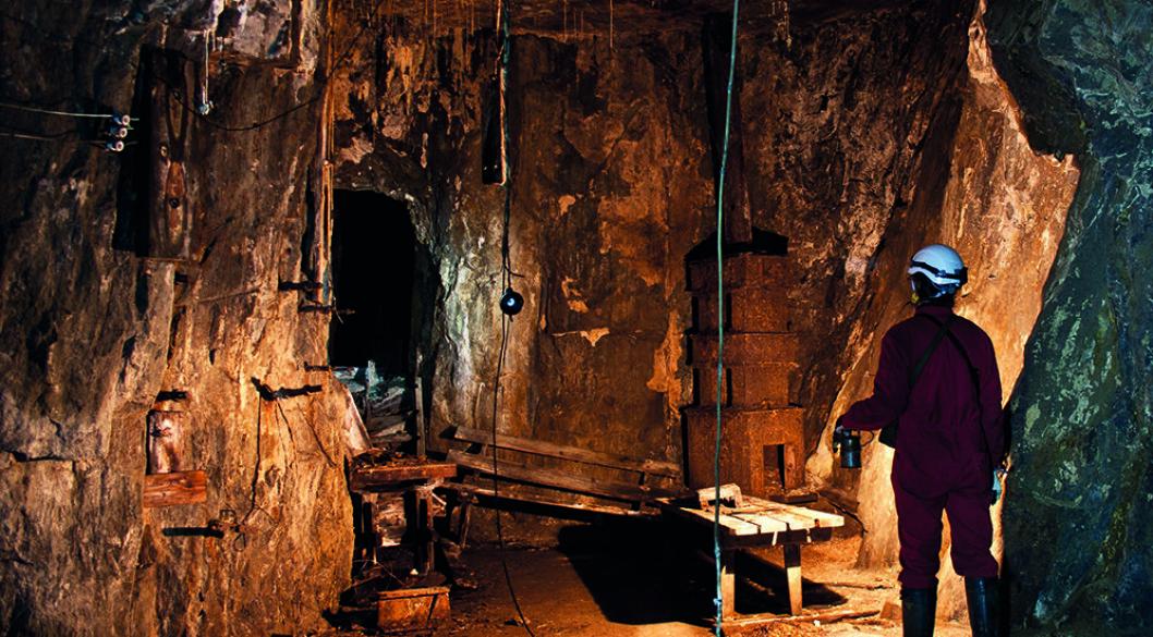 «GUDS HJELP I NØDEN»: Fra Saggrenda kan turister kjøre med et gruvetog inn i Kongens gruve, blant annet den som har fått navnet «Guds hjelp i nøden». Foto: Christian Berg/Norsk Bergverksmuseum.