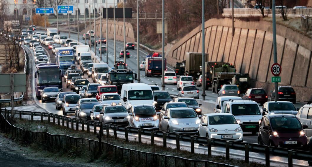 KAMPEN OM KAKEN: Bilmarkedet er som en kake som krymper for tiden. Alle markedsaktører vil ha en større del av den, og noen lykkes – andre ikke. Foto: Lise Åserud, NTB scanpix