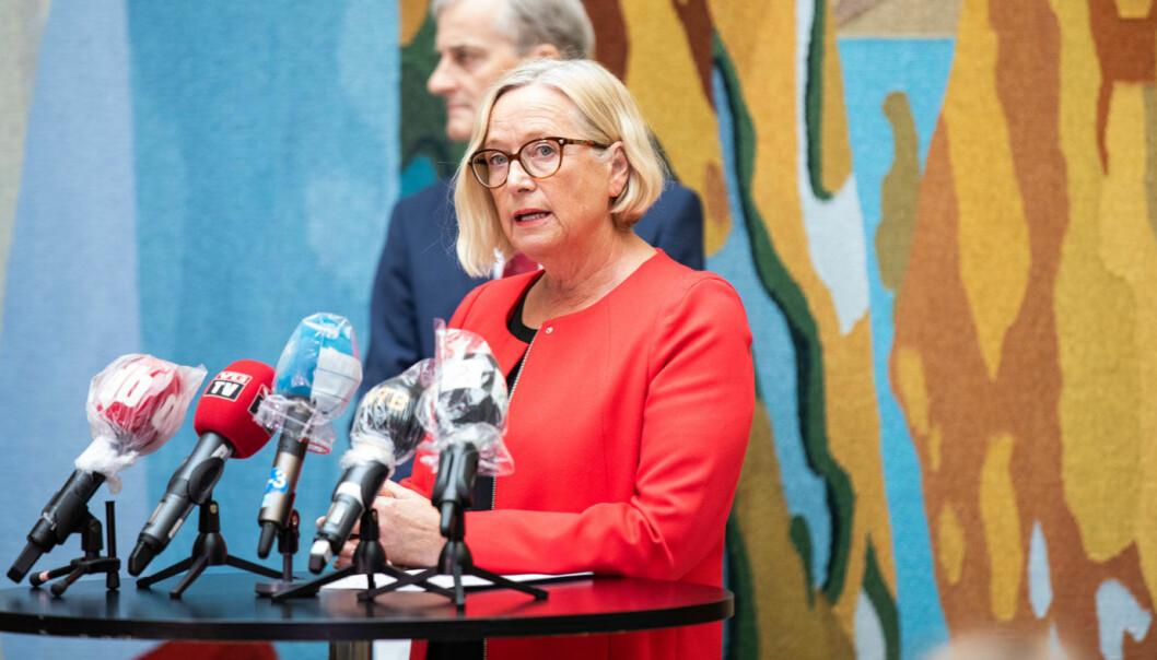 PUMPEPRIS: Senterpartiets parlamentariske leder Marit Arnstad mener bilistene må slippe dyrere bensin og diesel som følge av skjerpet innsats mot klimaendringene.